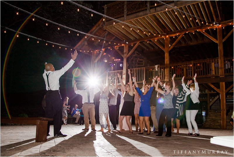 grand barn at the mohicans wedding tiffany murray_0022