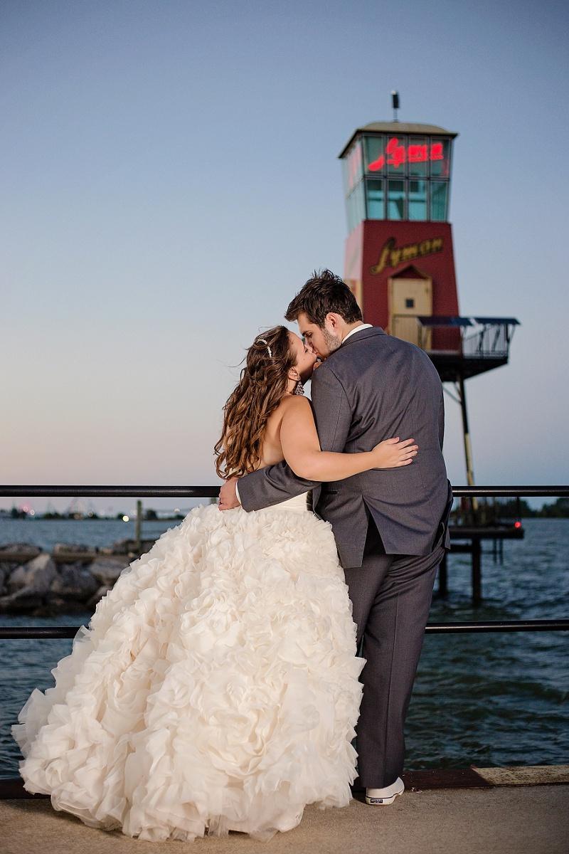 lyman-harbor-starlite-room-wedding-sandusky-ohio_0038