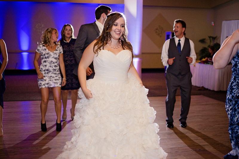 lyman-harbor-starlite-room-wedding-sandusky-ohio_0043