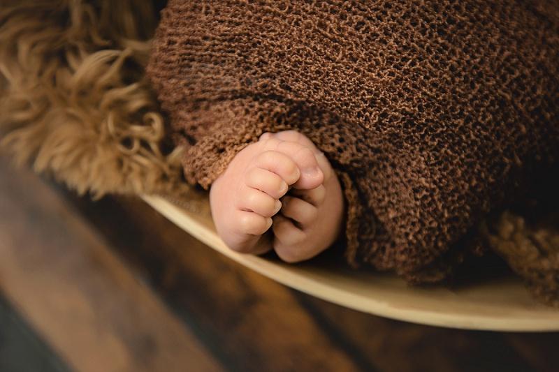 newborn feet details