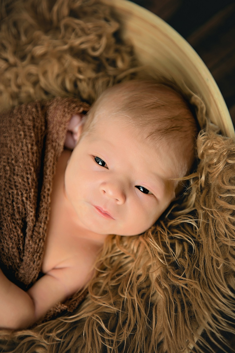 bright eyed newborn photo