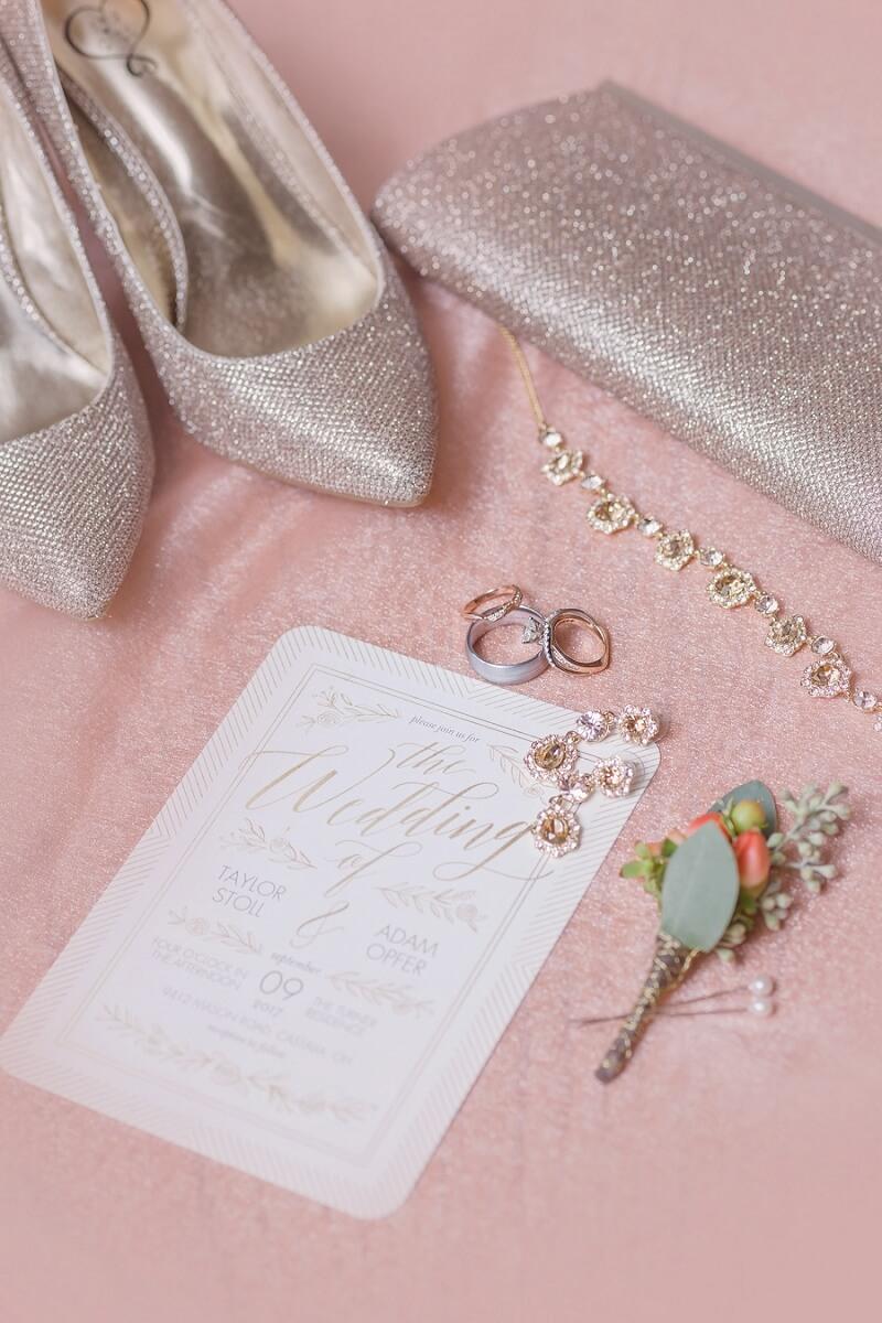 pink and orange bridal details