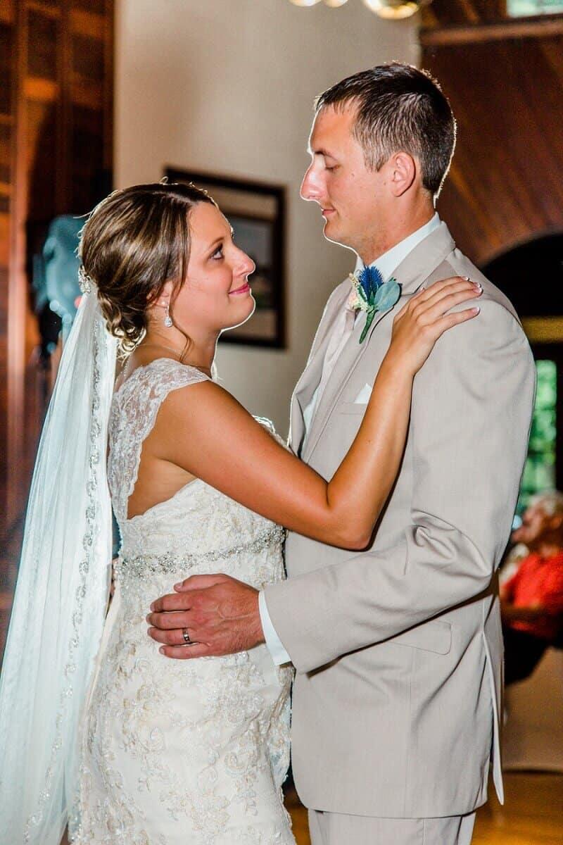 rustic summer wedding at meadowbrook ballroom tiffany murray photography