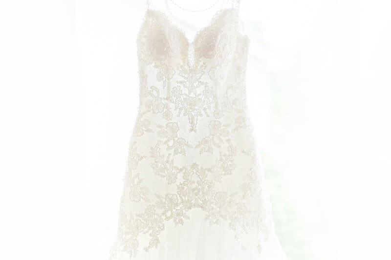 lace wedding dress detail photo norwalk ohio wedding photographer