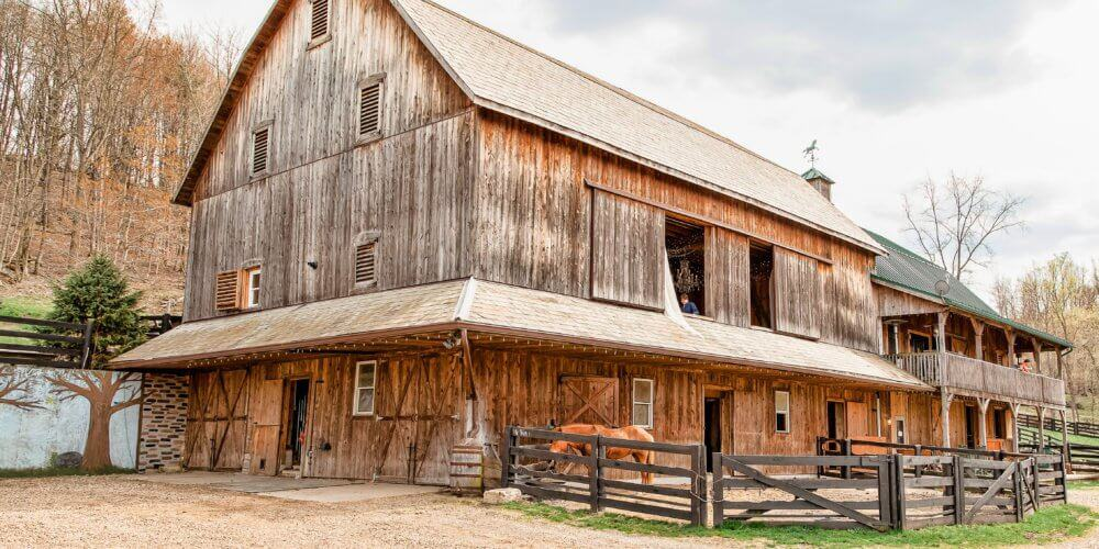 8 Gorgeous Rustic Wedding Venues in North Central Ohio