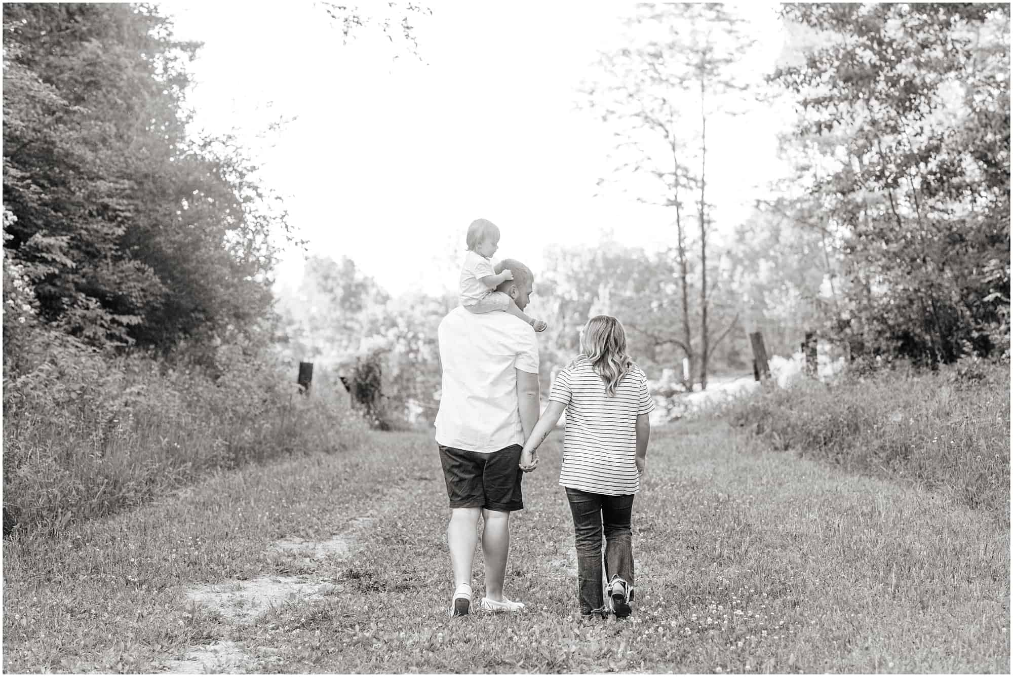 summer sunset family session at black fork bottoms ashland ohio