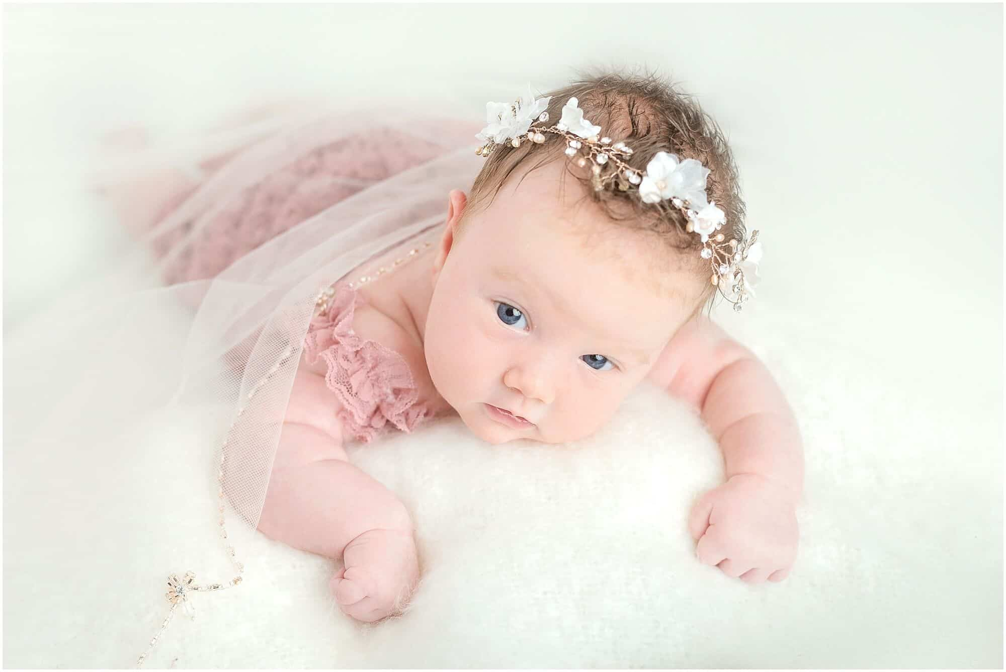 baby girl mom's veil ashland mansfield ohio baby photographer tiffany murray