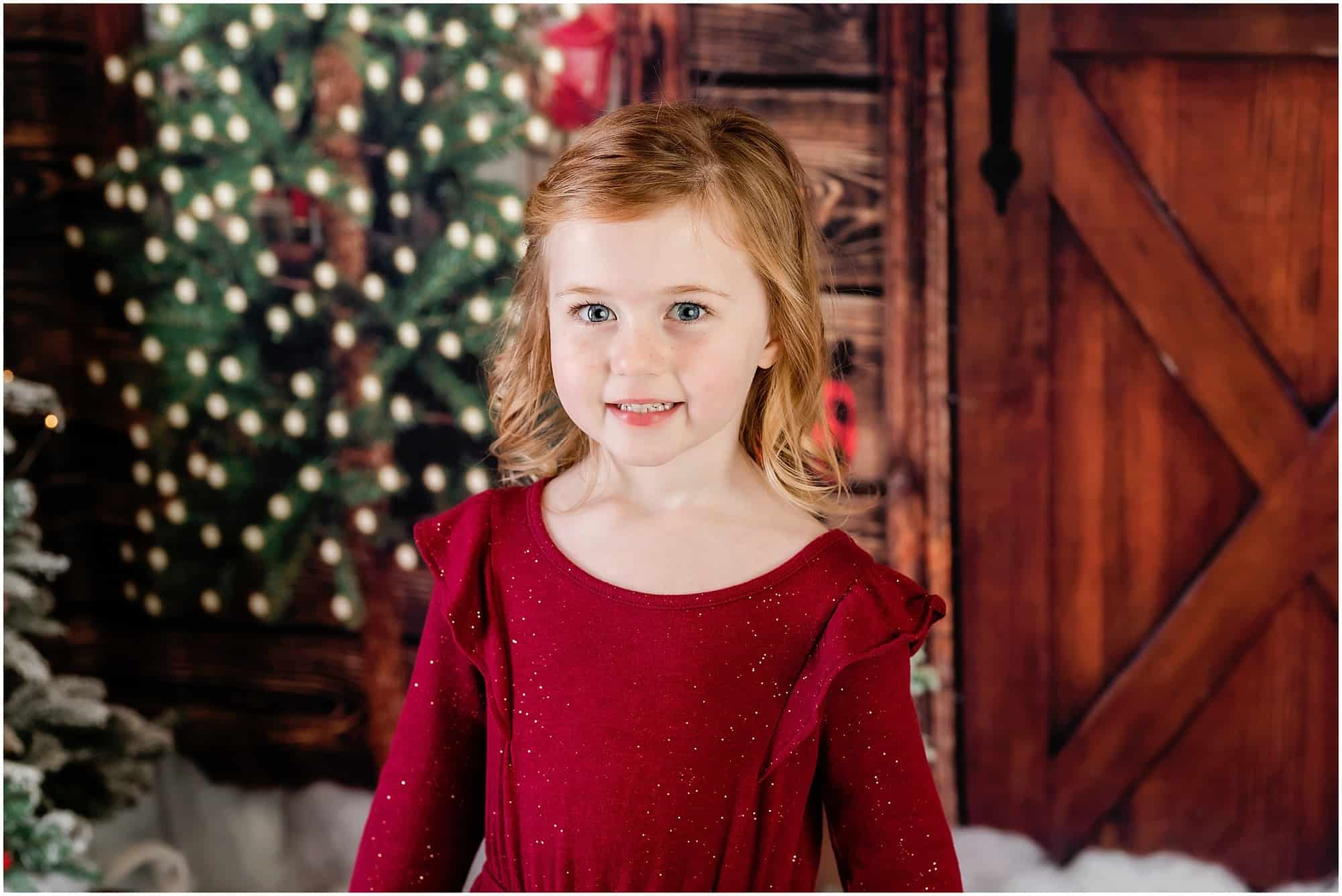 in studio christmas portraits