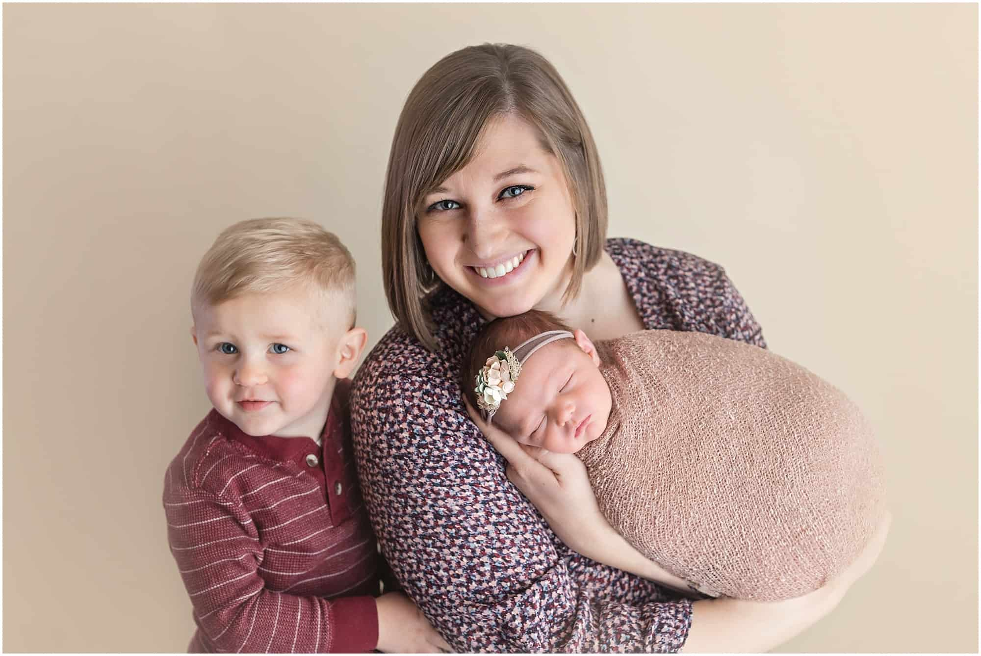 family and newborn photos in mansfield